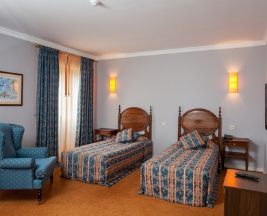 DOUBLE / TWIN ROOM WITH EXTRA BED do Elevador Hotel en Braga