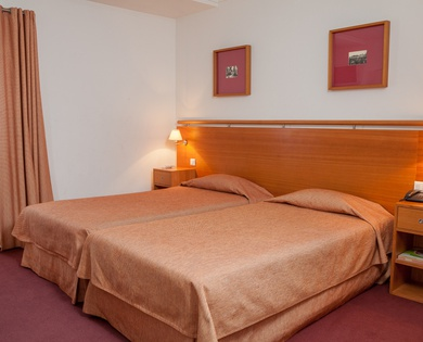 DOUBLE /TWIN BEDROOM WITH EXTRA BED do Lago Hotel en Braga